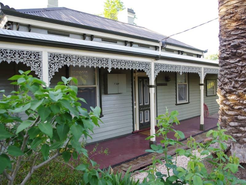 Housesitting assignment in Maldon, Victoria, Australia