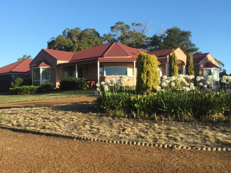 Housesitting assignment in Richmond, Tasmania, Australia