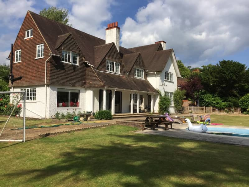 Housesitting assignment in Merstham, United Kingdom