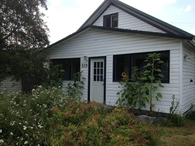 Housesitting assignment in Golden, British Columbia, Canada