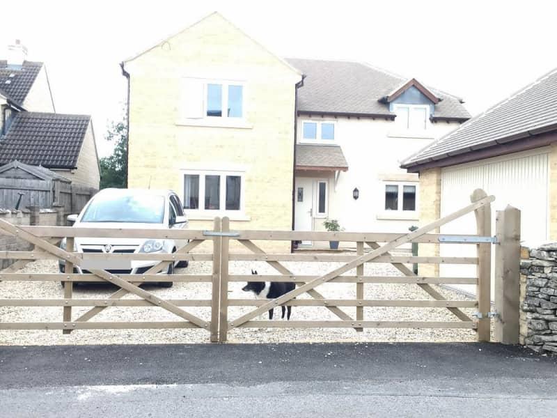 Housesitting assignment in Minchinhampton, United Kingdom