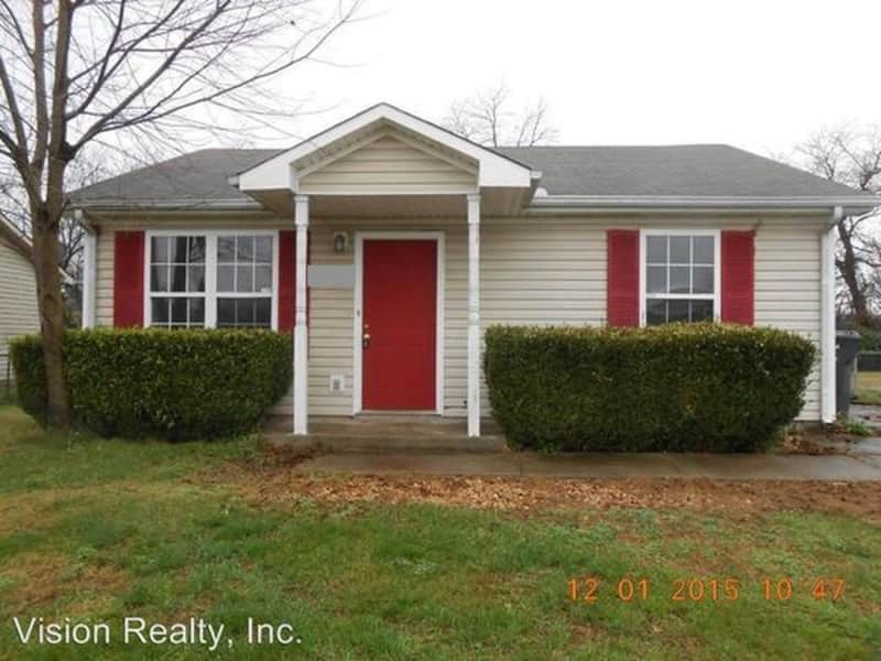 Housesitting assignment in Oak Grove, Kentucky, United States