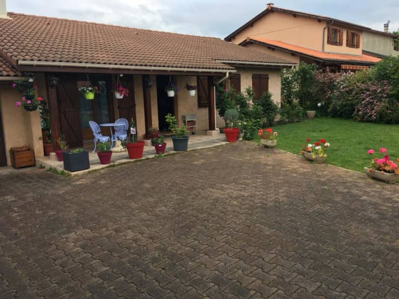 Housesitting assignment in Estrablin, France