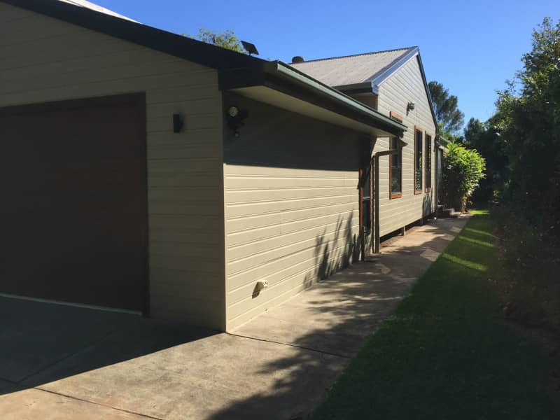 Housesitting assignment in Glass House Mountains, Queensland, Australia