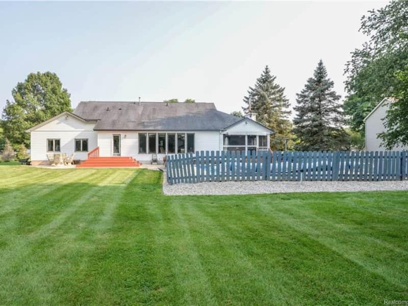 Housesitting assignment in Whitmore Lake, Michigan, United States