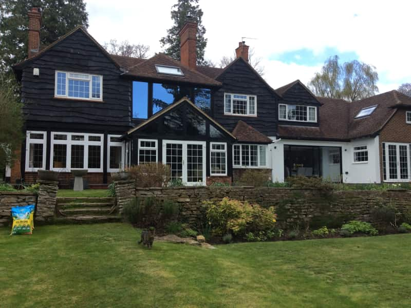 Housesitting assignment in West Byfleet, United Kingdom