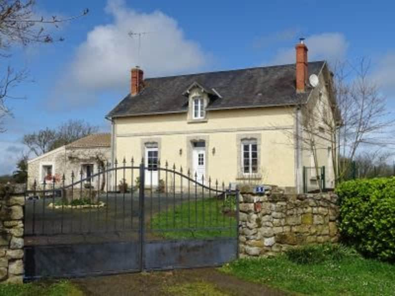 Housesitting assignment in Moutiers-les-Mauxfaits, France