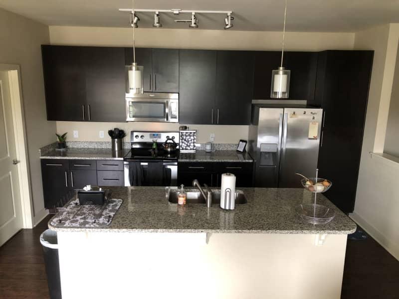 Housesitting assignment in Lenexa, Kansas, United States