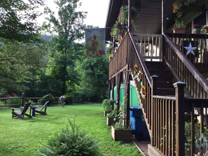 Housesitting assignment in Weaverville, North Carolina, United States