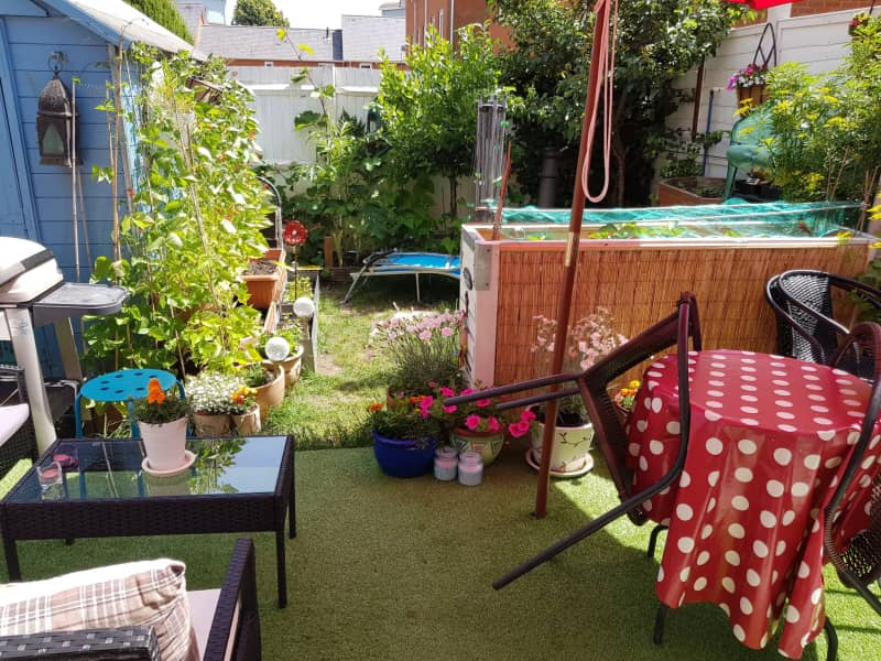 Housesitting assignment in Redhill, United Kingdom