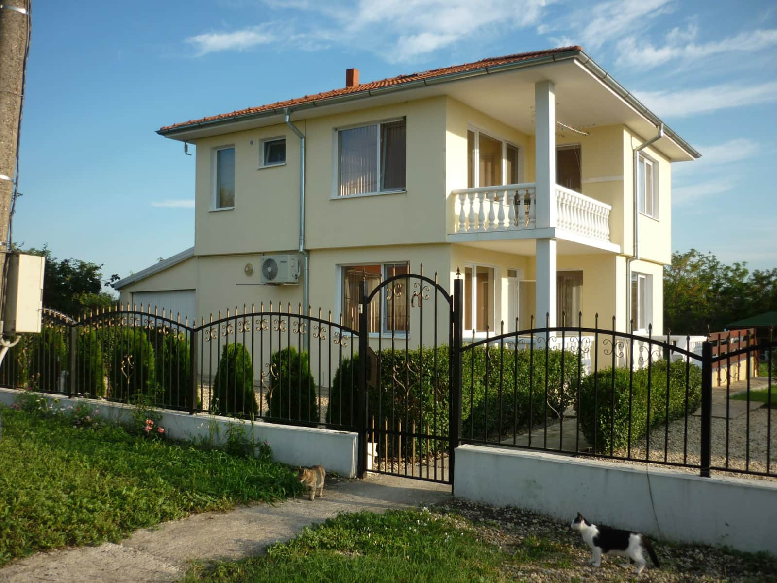 Housesitting assignment in Burgas, Bulgaria