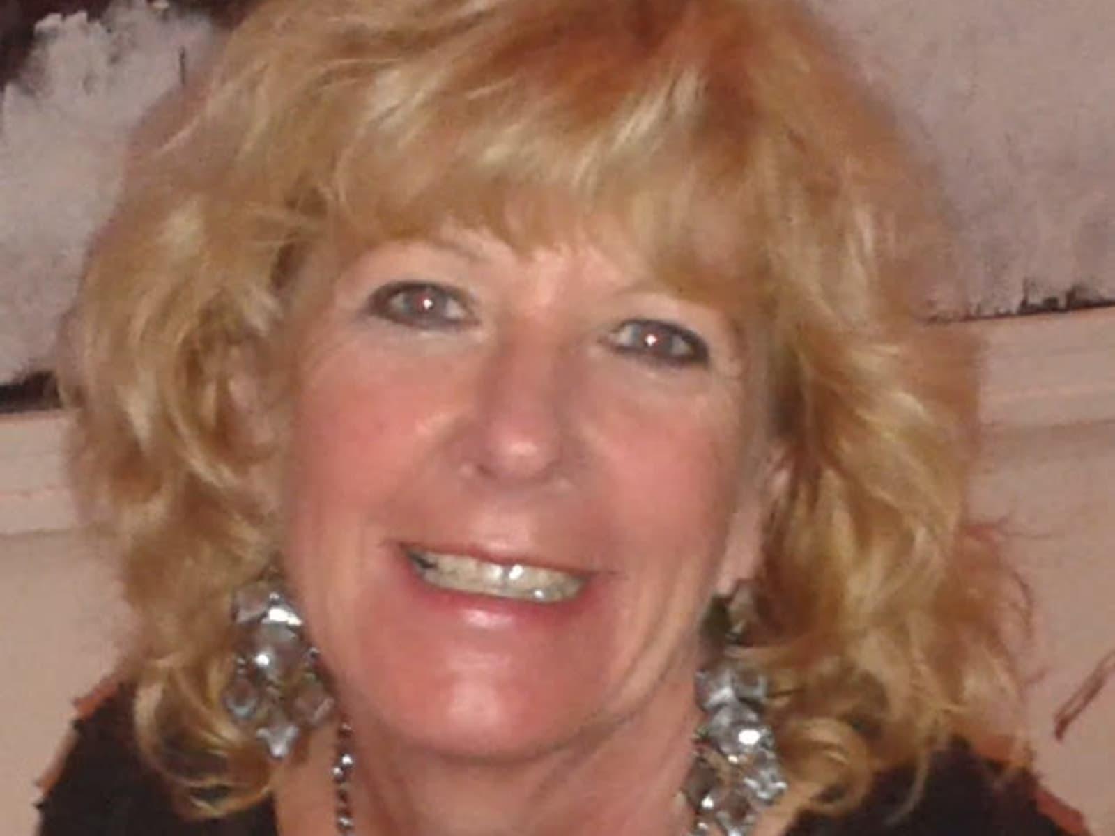 Elaine from Bracknell, United Kingdom