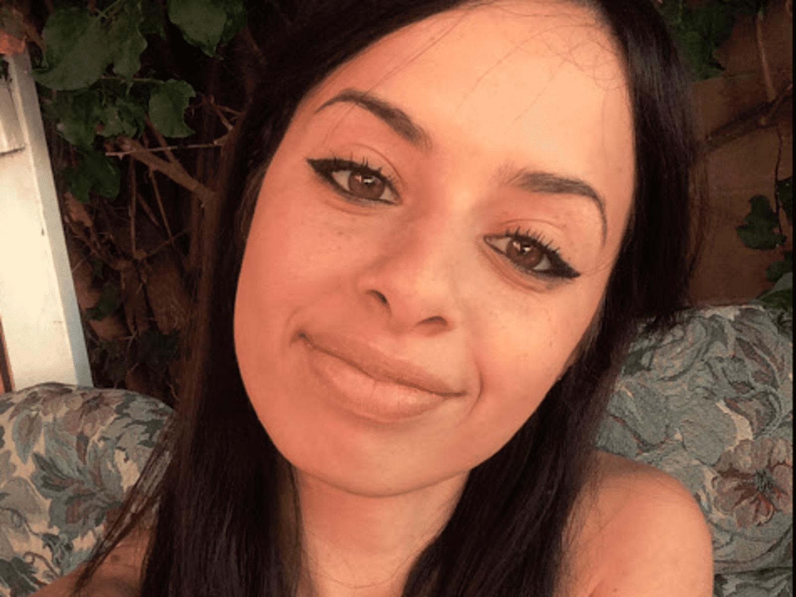 Yasmine from Los Angeles, California, United States
