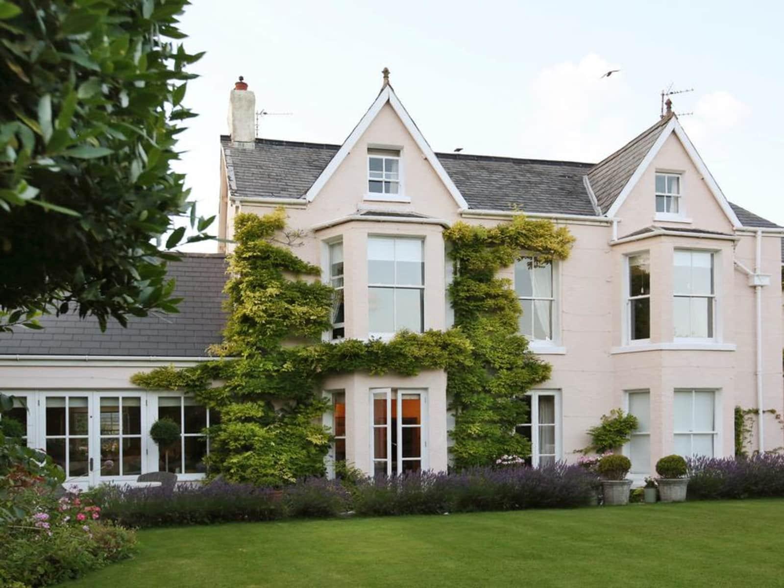 Housesitting assignment in Porthcawl, United Kingdom