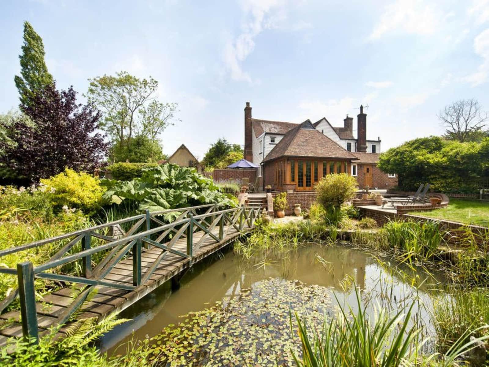 Housesitting assignment in Tenterden, United Kingdom