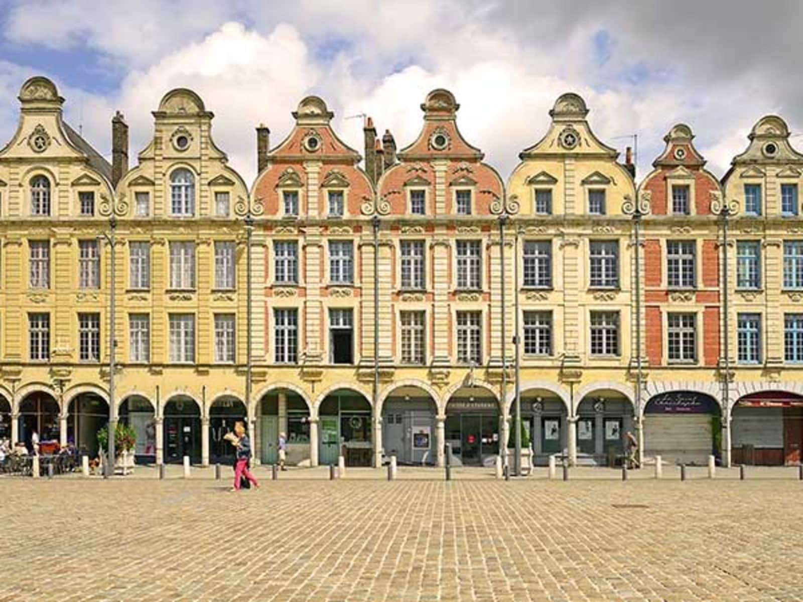 Housesitting assignment in Arras, France