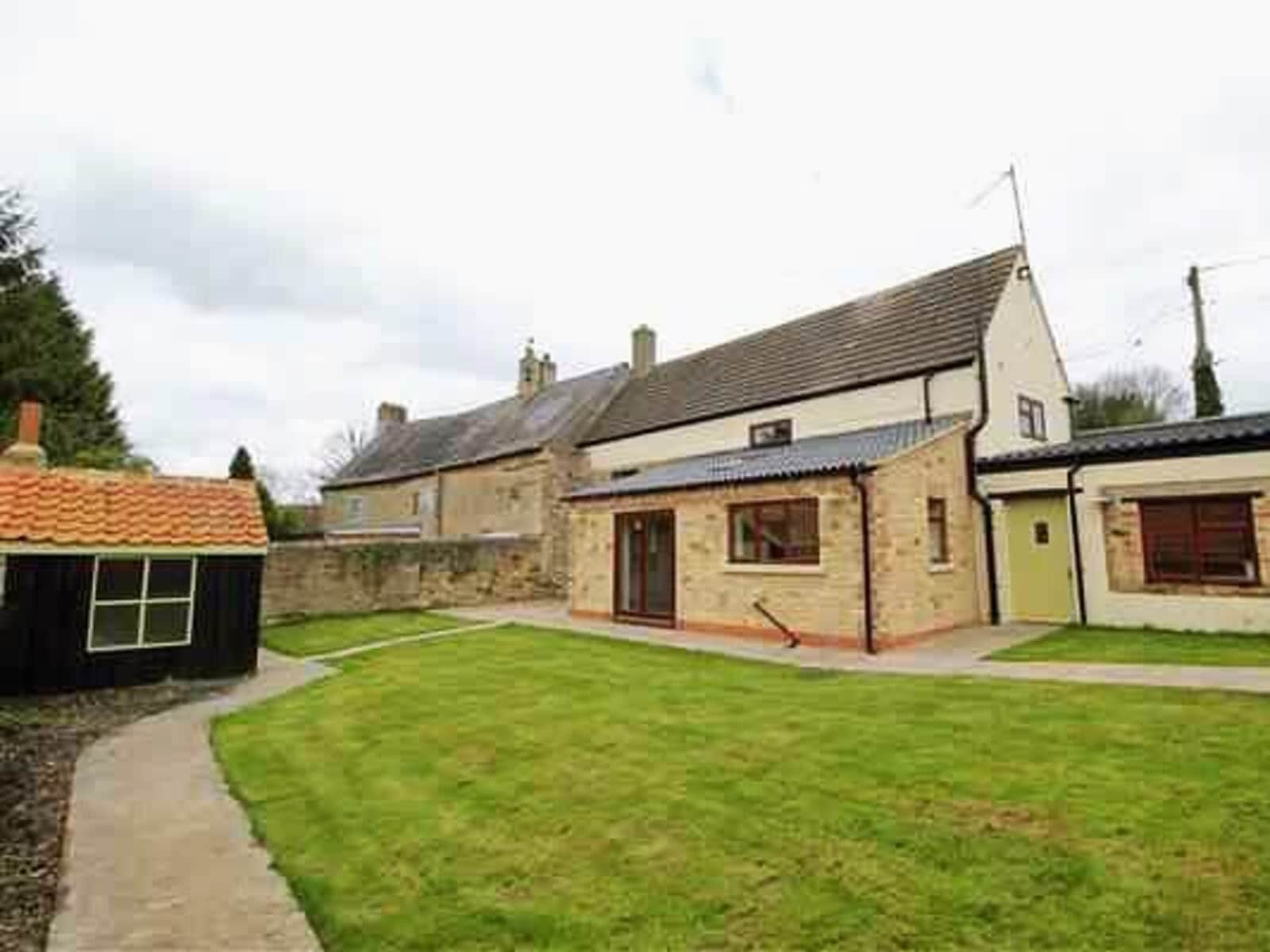 Housesitting assignment in Denford, United Kingdom