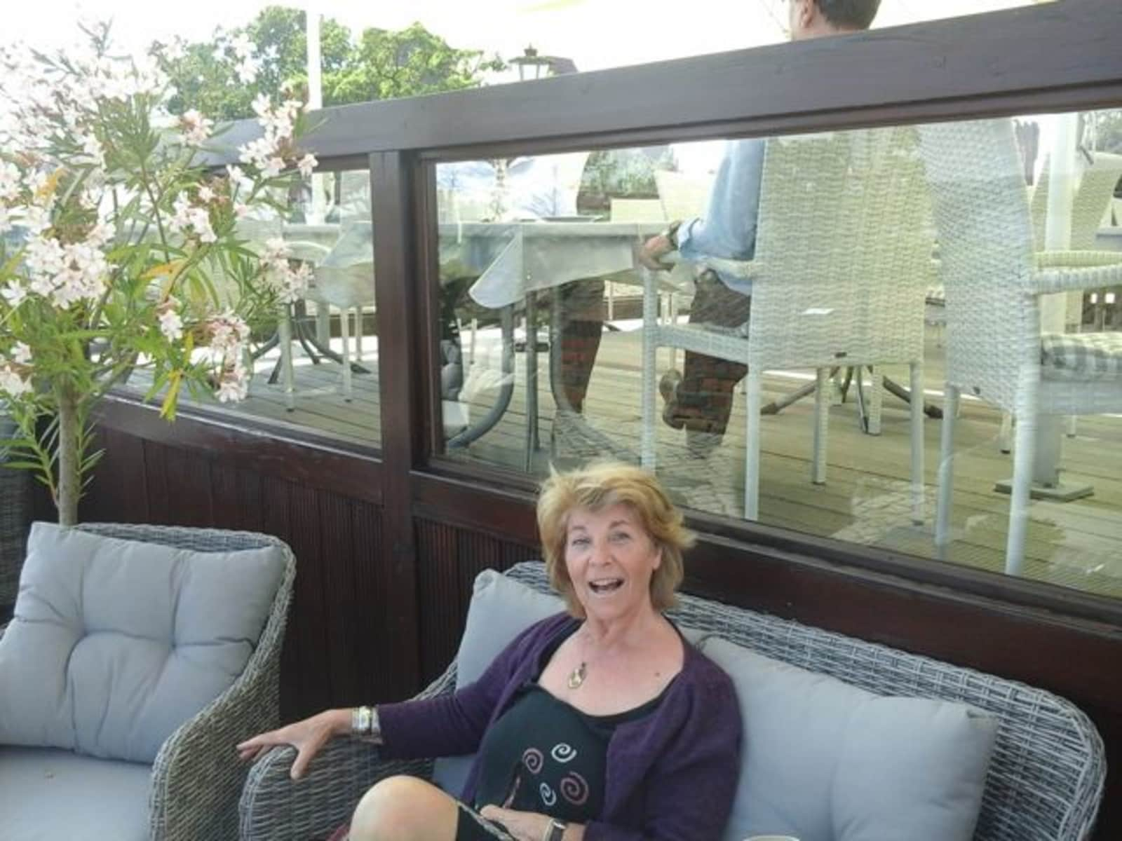 Elisabeth from Tournai, Belgium