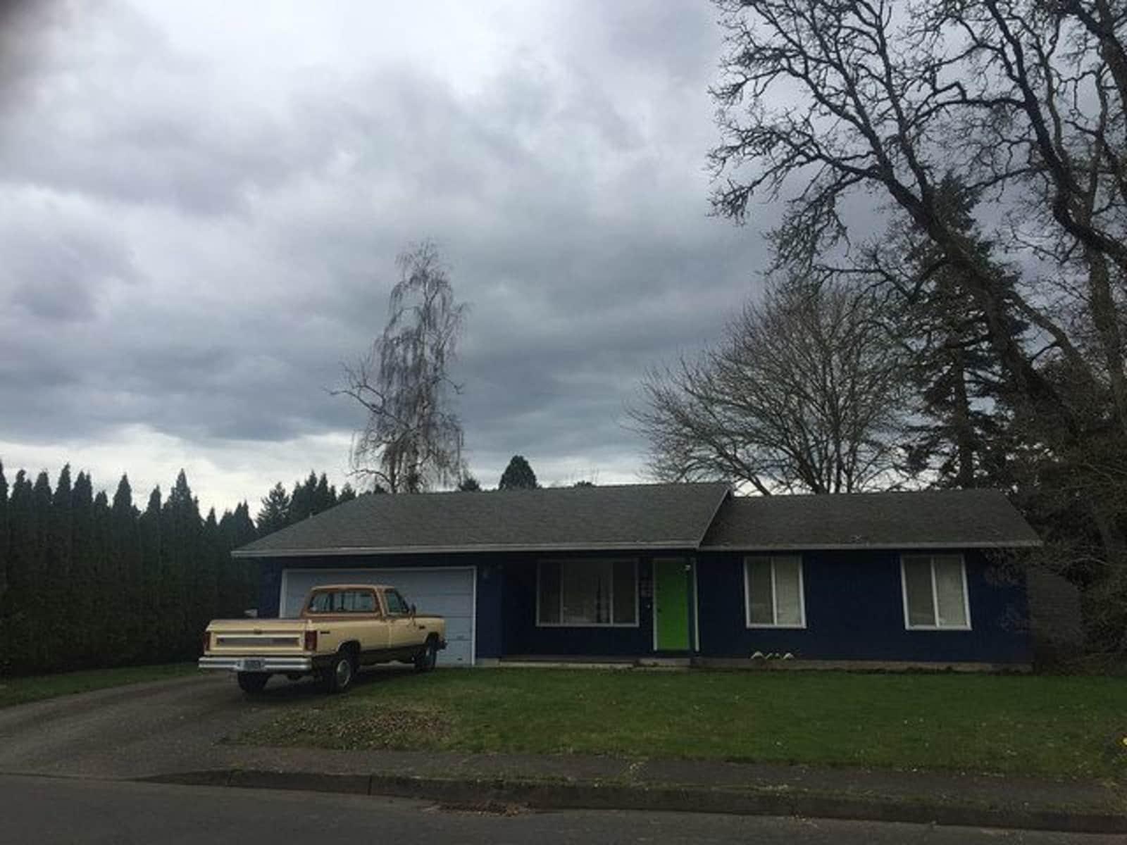 Housesitting assignment in Hillsboro, Oregon, United States