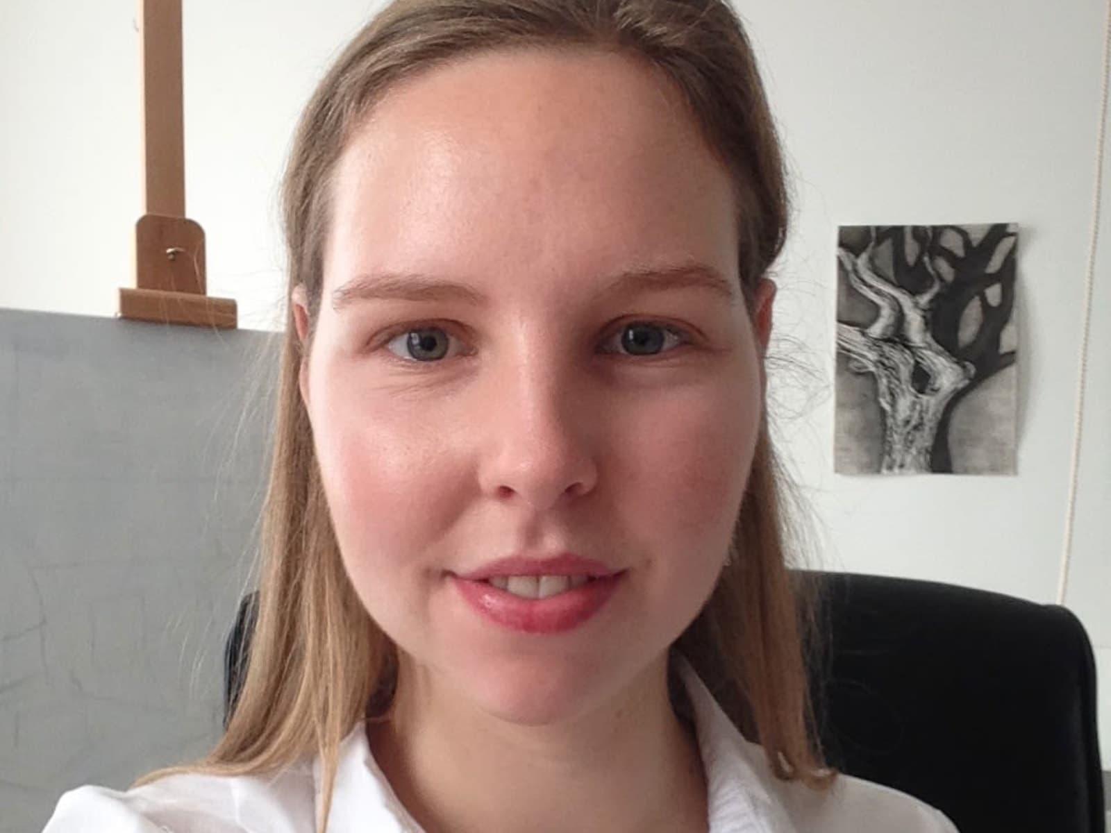 Ruth from Bissegem, Belgium