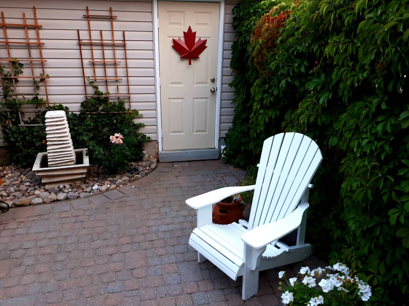 Housesitting assignment in Oakville, Ontario, Canada