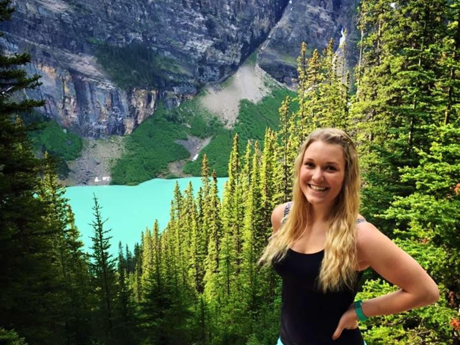 Cassandra from Calgary, Alberta, Canada