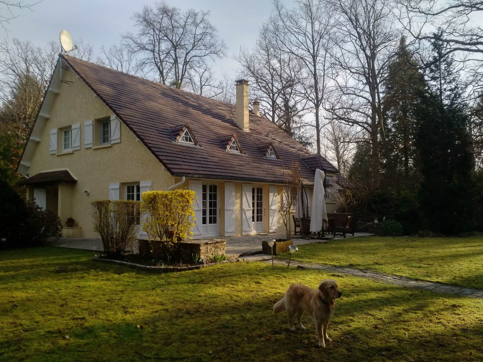 Housesitting assignment in Chantilly, France