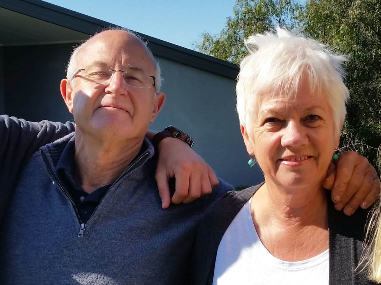 Ros & Peter from Albury, New South Wales, Australia