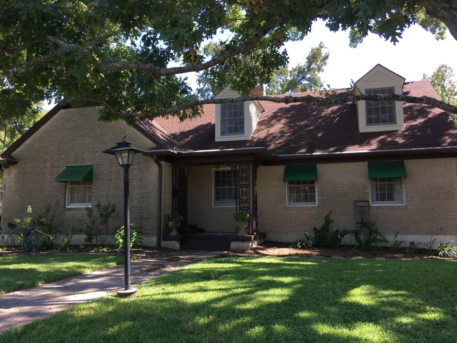 Housesitting assignment in Lockhart, Texas, United States