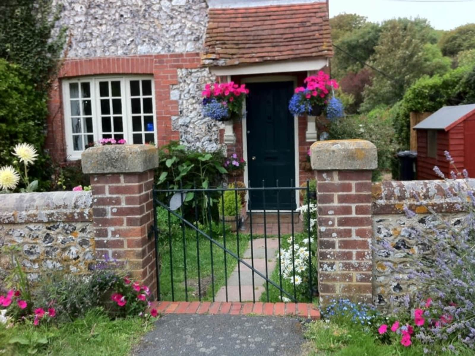 Housesitting assignment in East Dean, United Kingdom