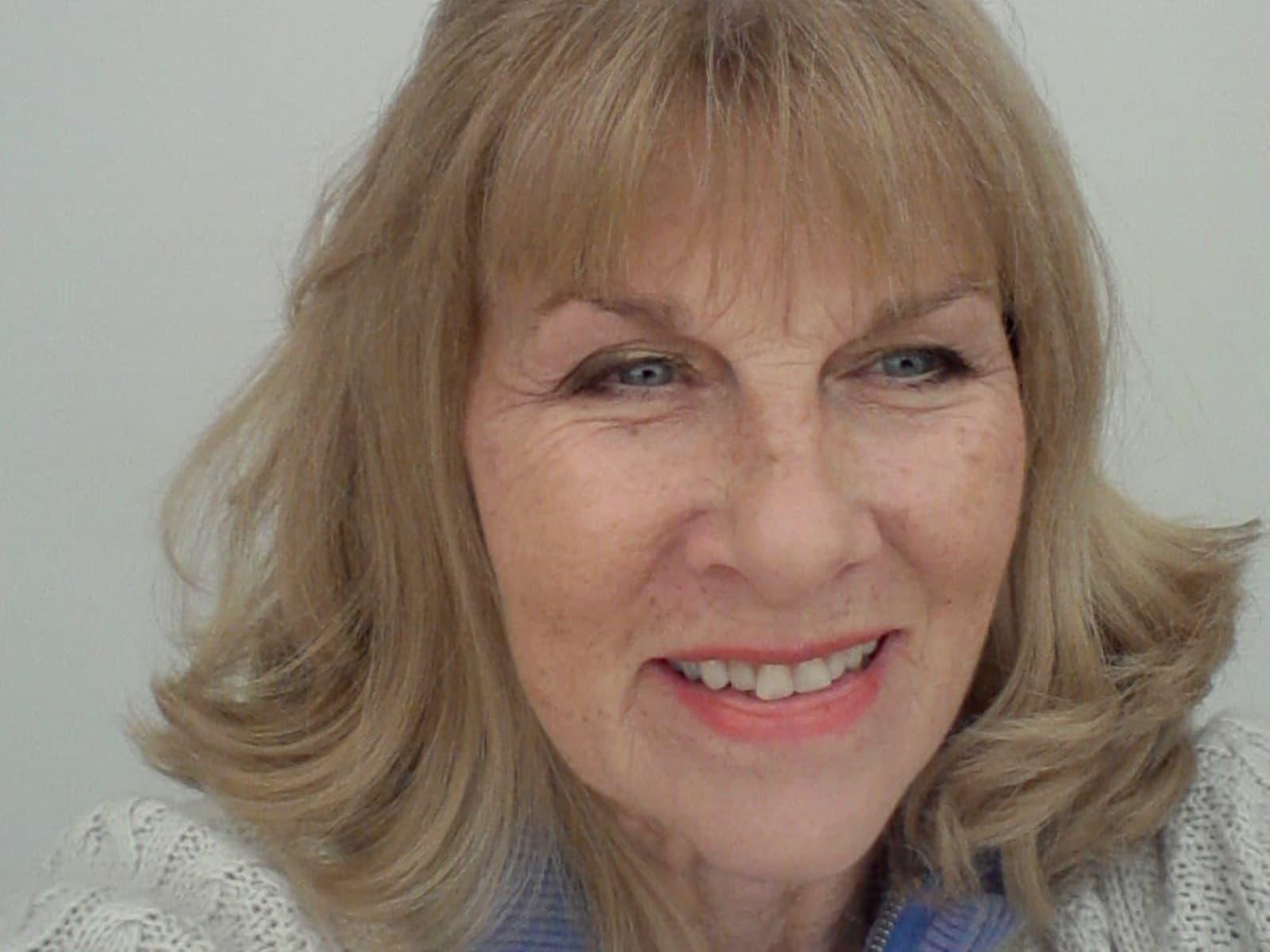 Lynne from Midhurst, United Kingdom