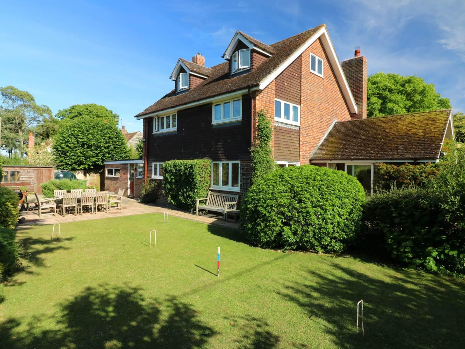 Housesitting assignment in Bucklebury, United Kingdom
