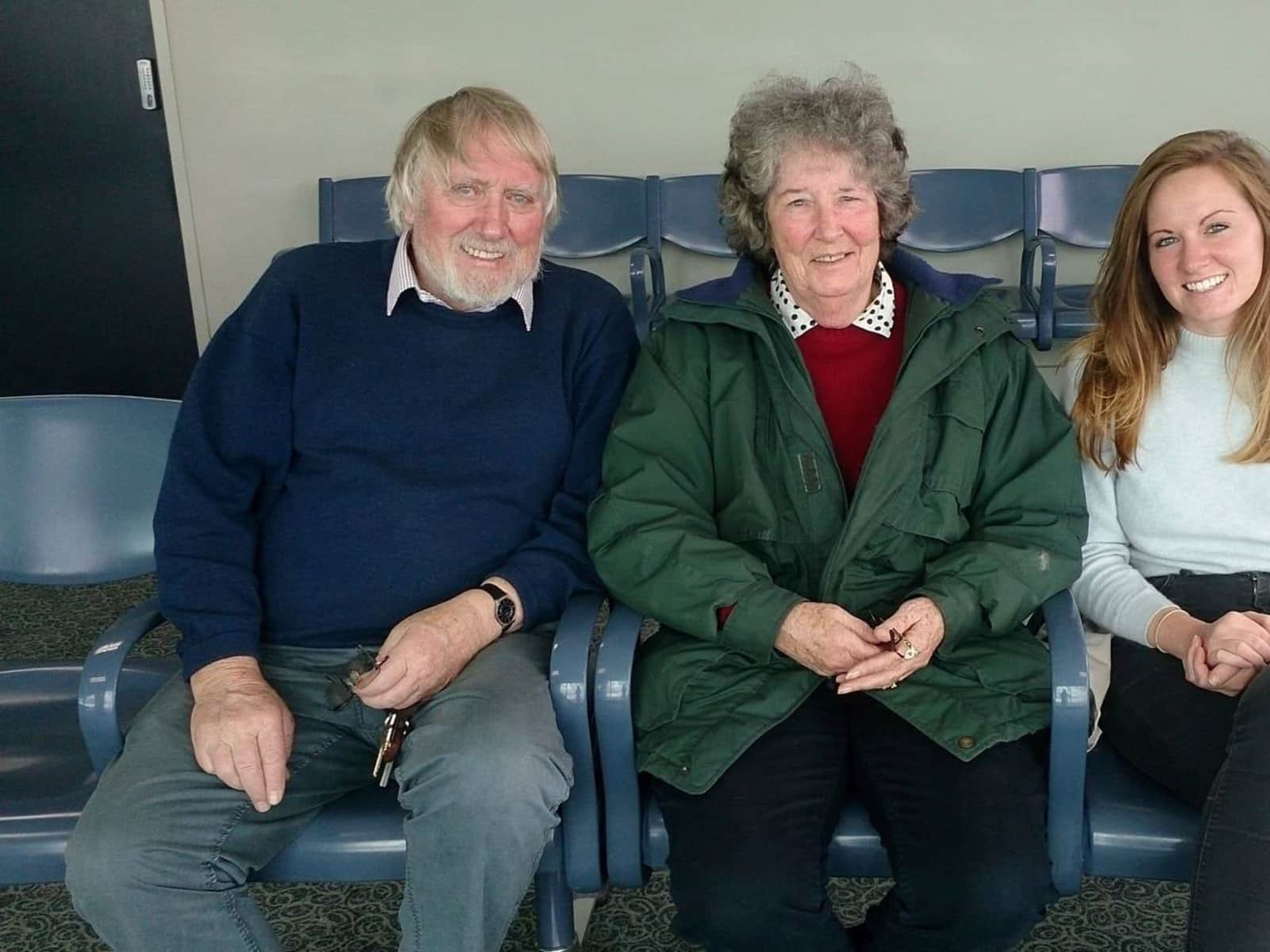 Linda michele & Neil from Havelock North, New Zealand
