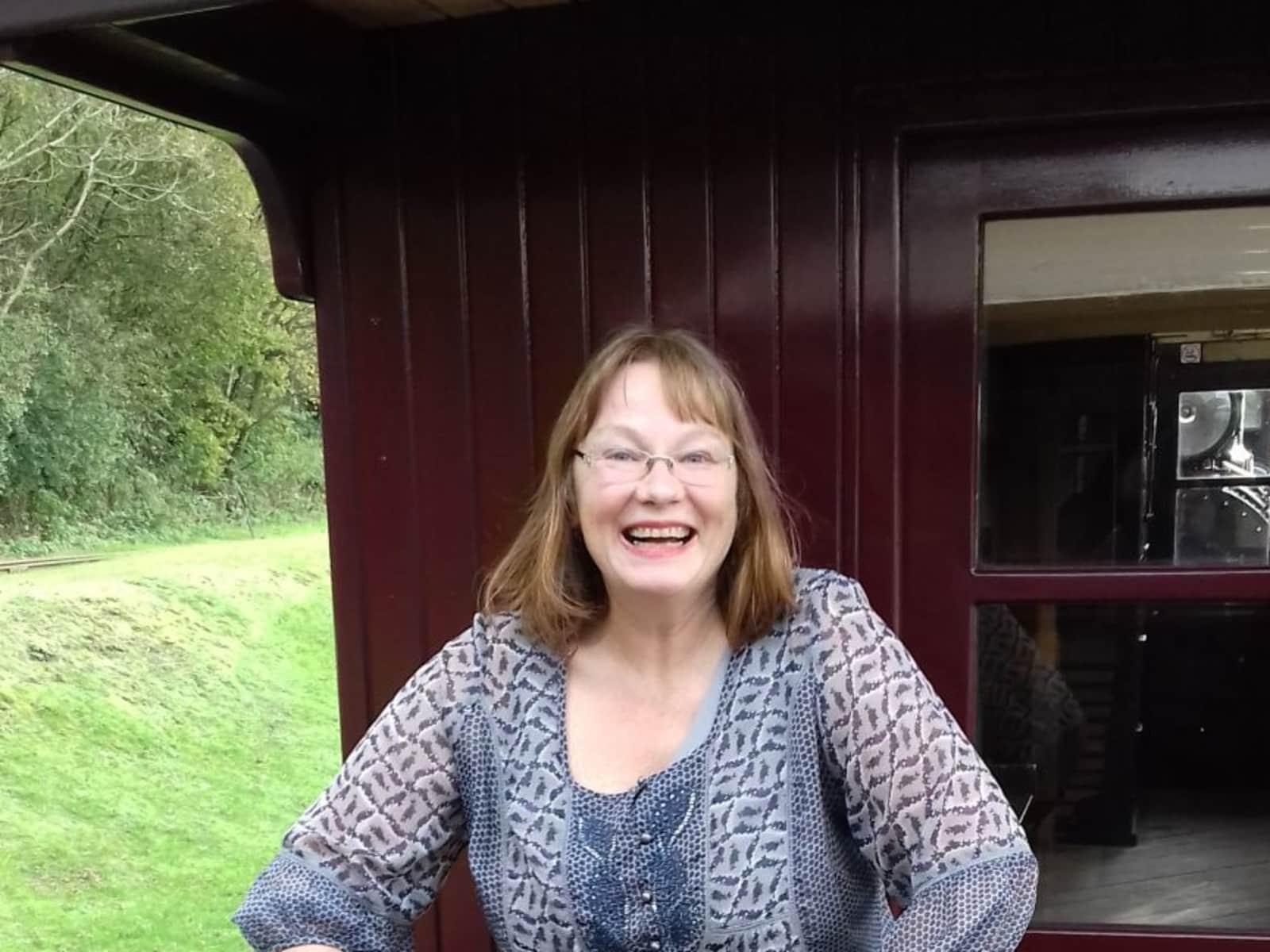 Sandra from Lechlade, United Kingdom