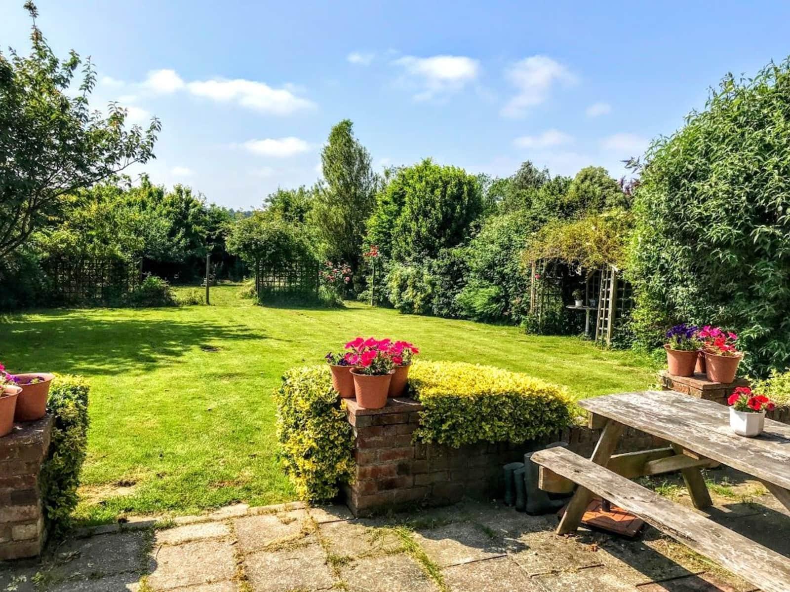 Housesitting assignment in Ticehurst, United Kingdom