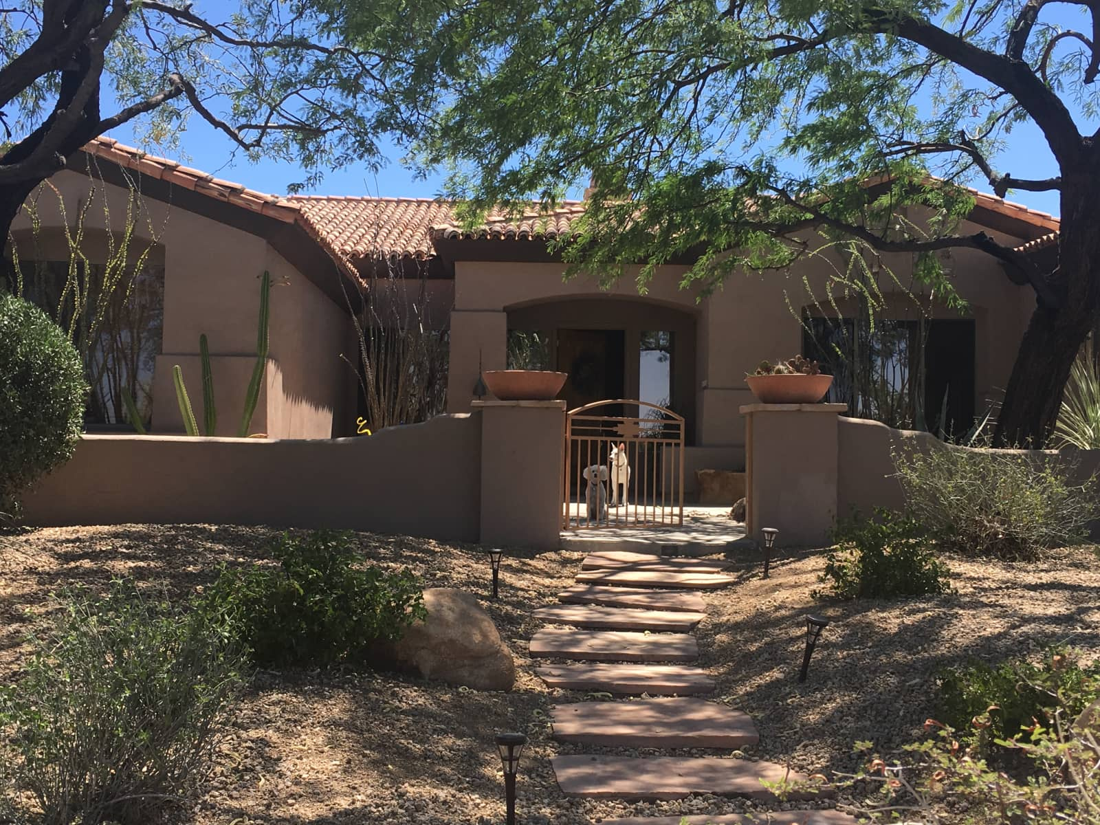 Housesitting assignment in Scottsdale Trailer Corral, Arizona, United States