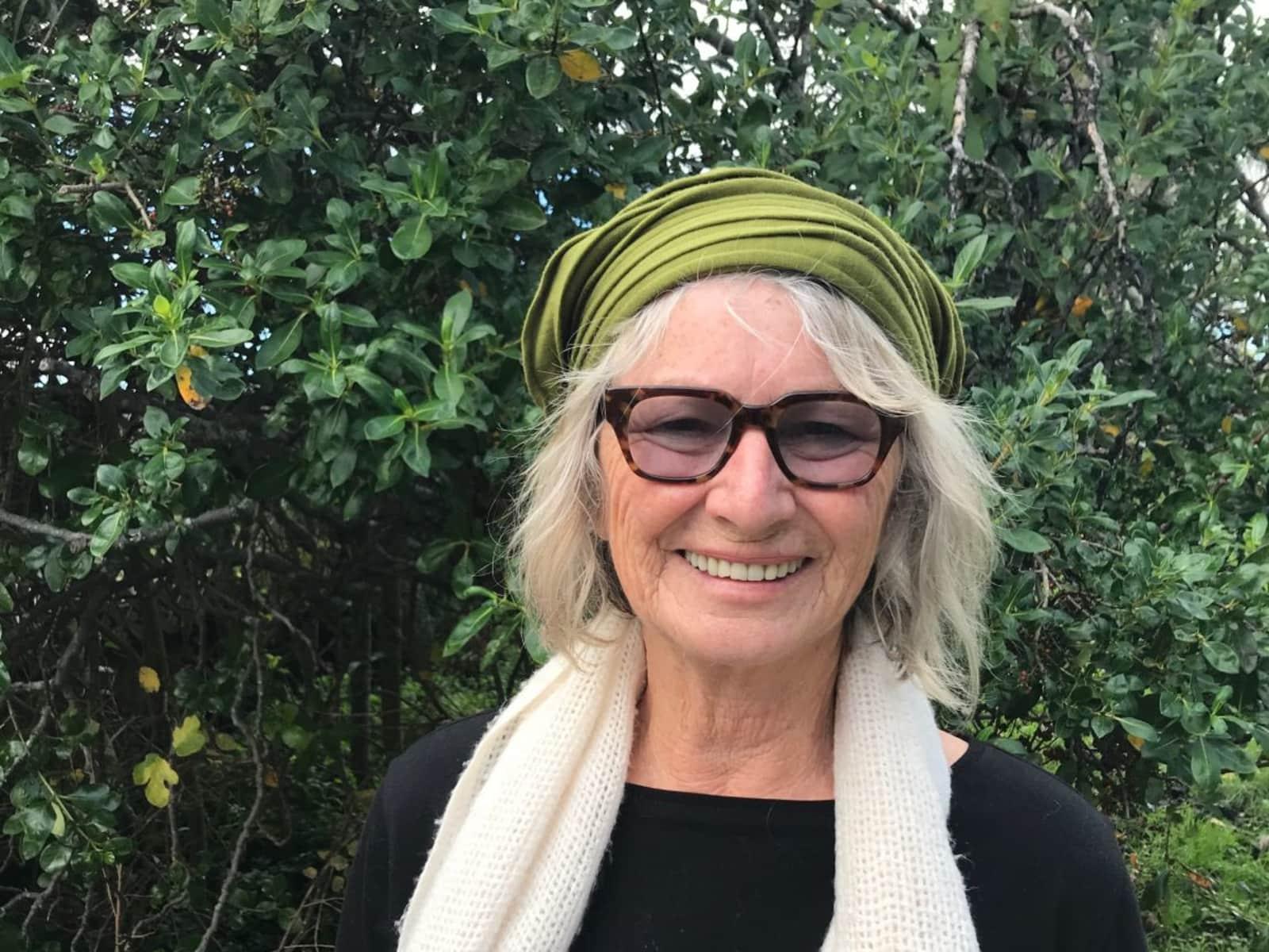 Lynda from Auckland, New Zealand