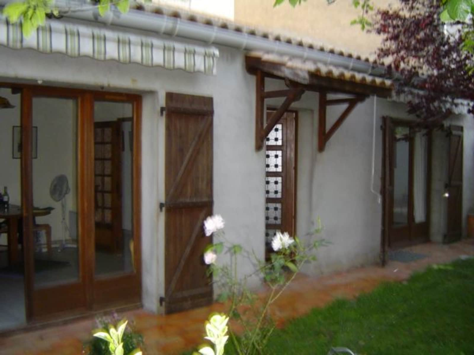 Housesitting assignment in Poilhes, France