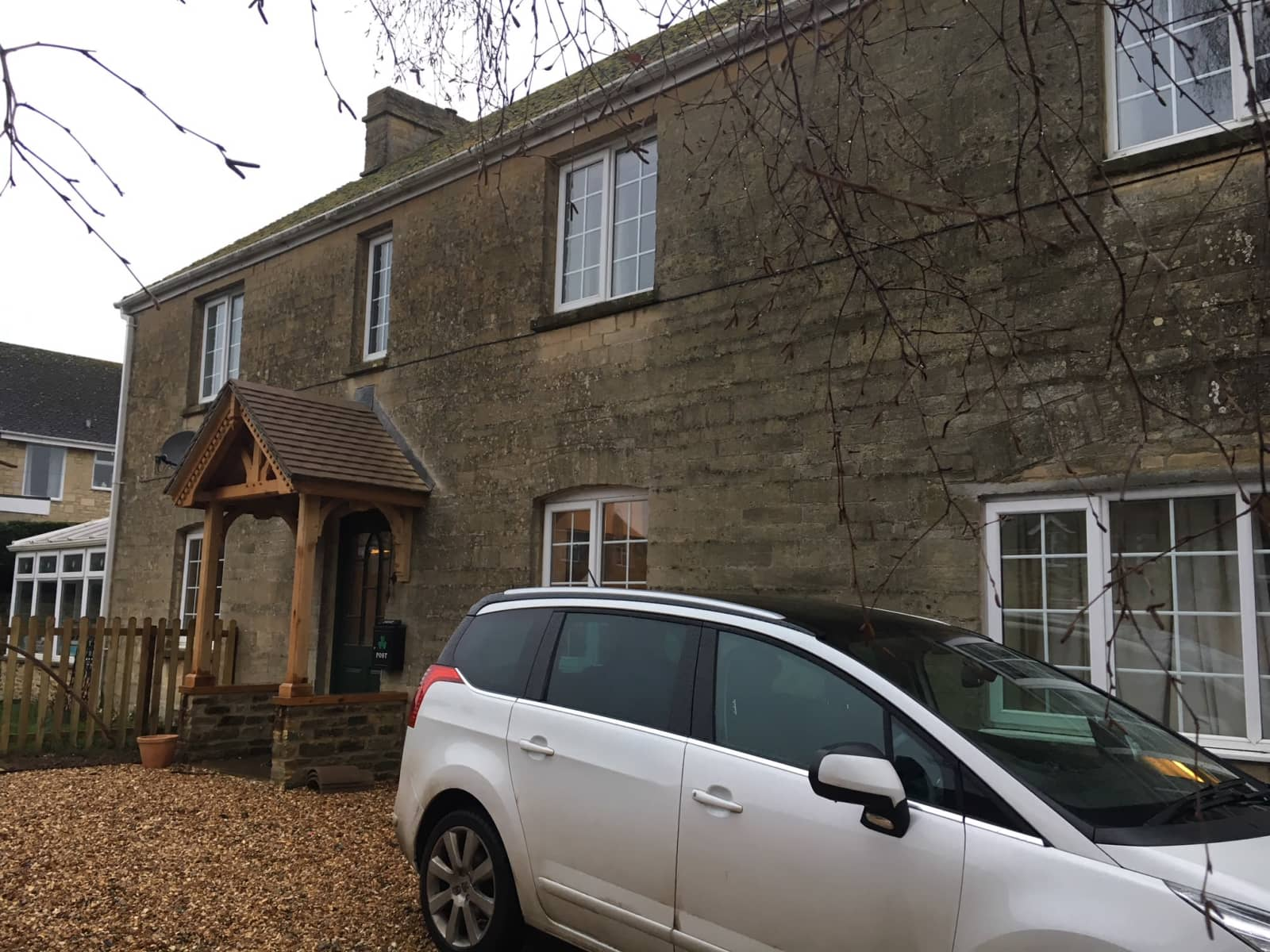 Housesitting assignment in Shipton under Wychwood, United Kingdom