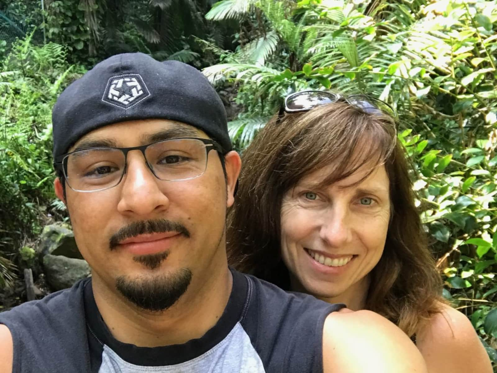 Alicia & Gilbert from Seattle, Washington, United States