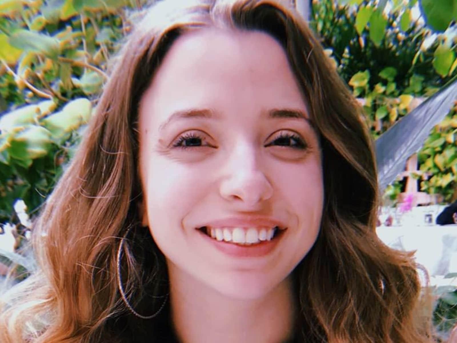 Julia from Seattle, Washington, United States