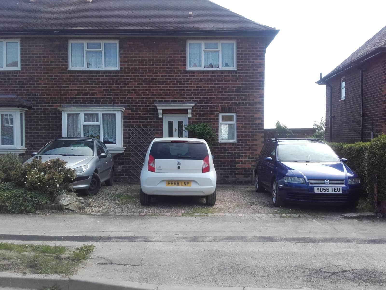 Housesitting assignment in Killamarsh, United Kingdom