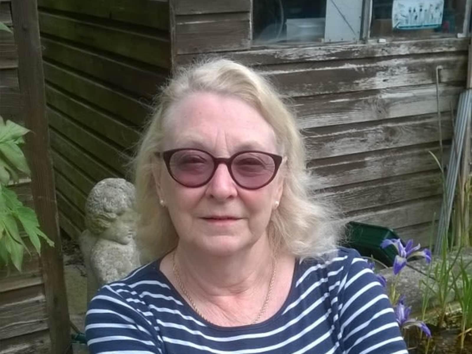 Lena from Leeds, United Kingdom