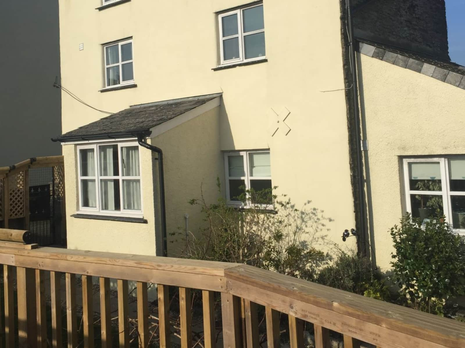 Housesitting assignment in Loddiswell, United Kingdom