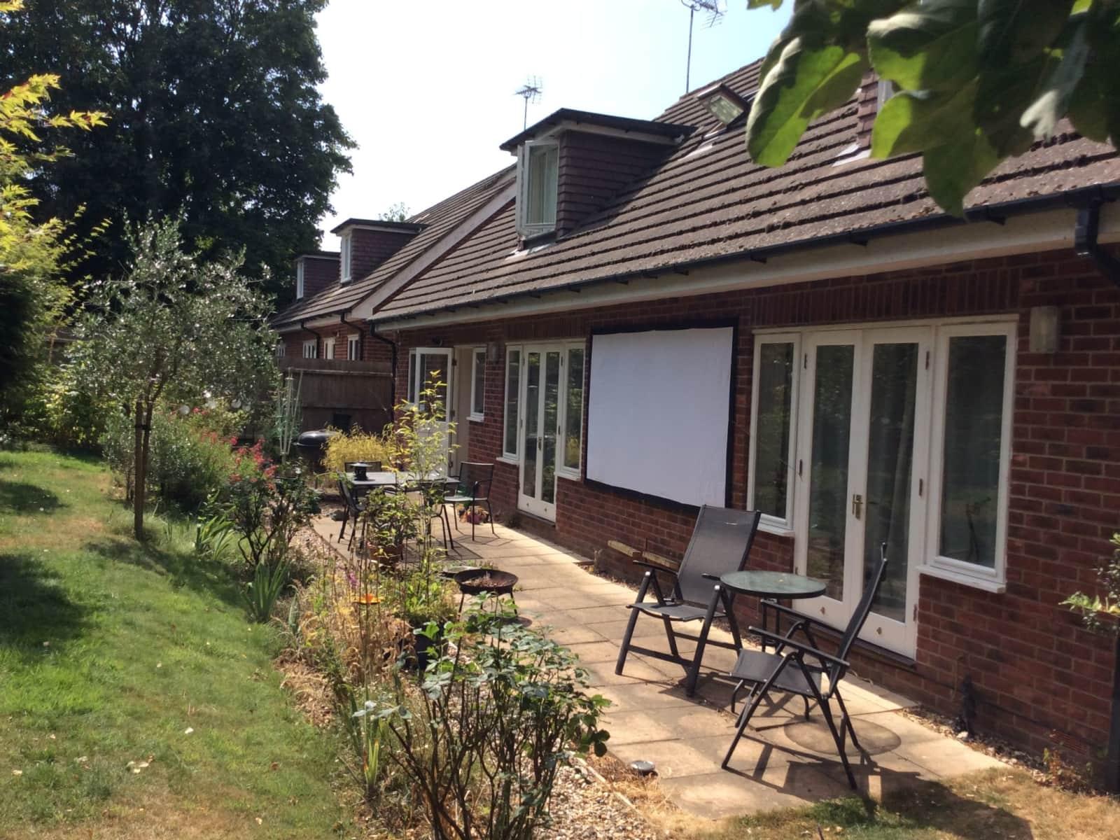 Housesitting assignment in Alderholt, United Kingdom