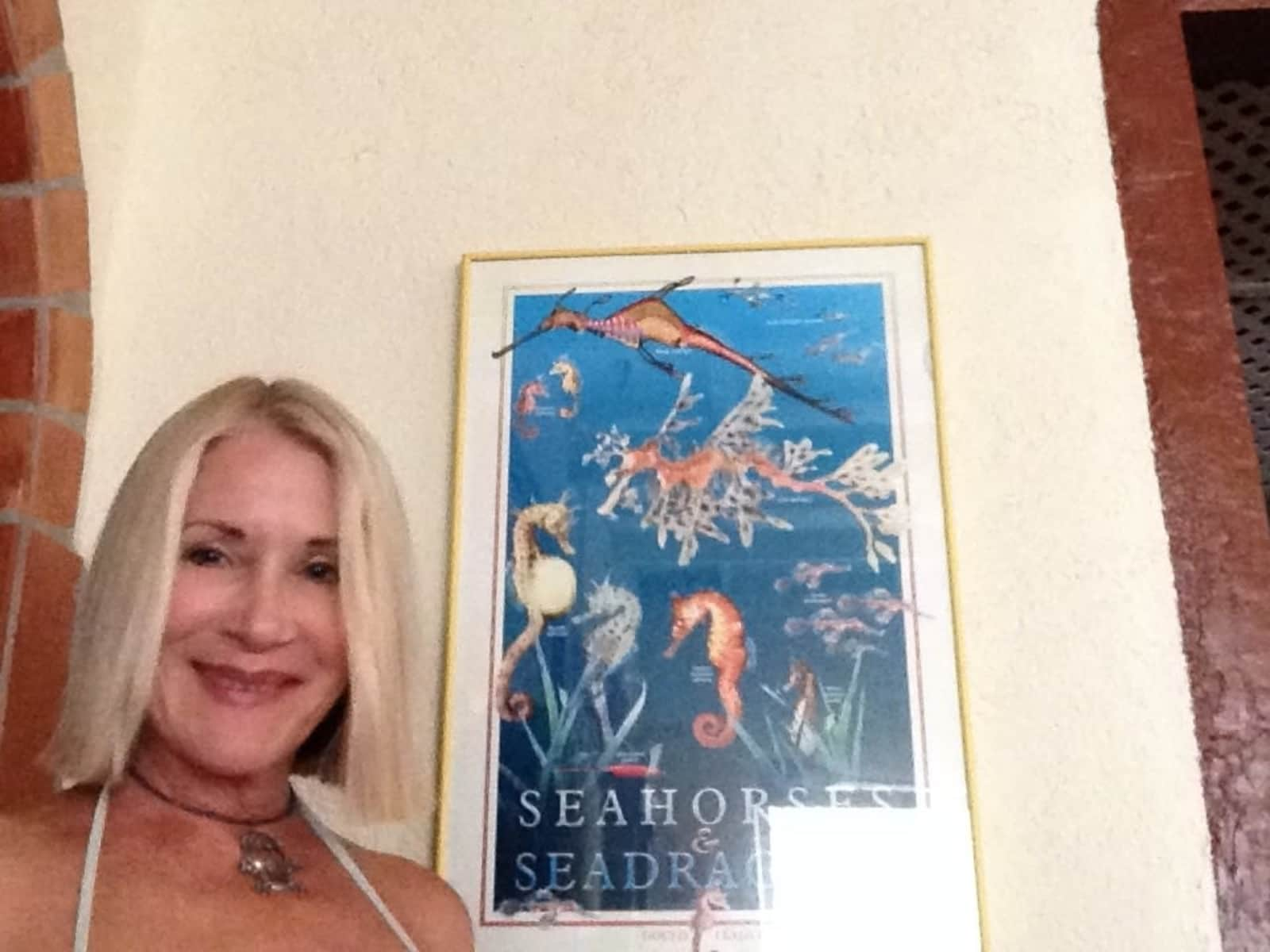 Pam from Phoenix, Arizona, United States