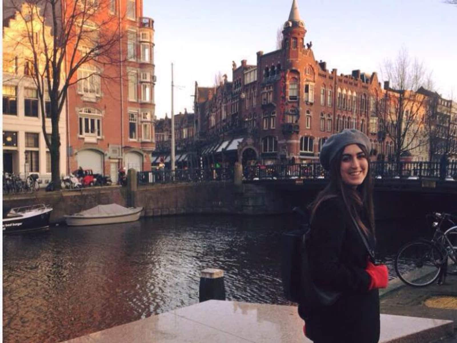 Nafé from London, United Kingdom
