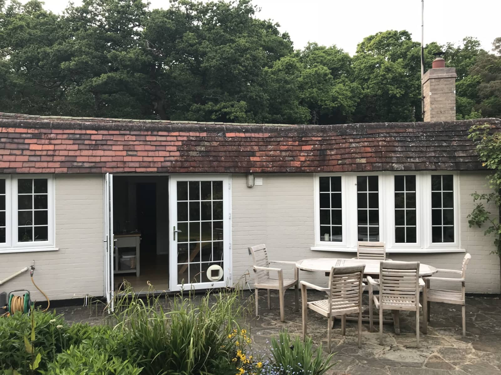 Housesitting assignment in Crondall, United Kingdom