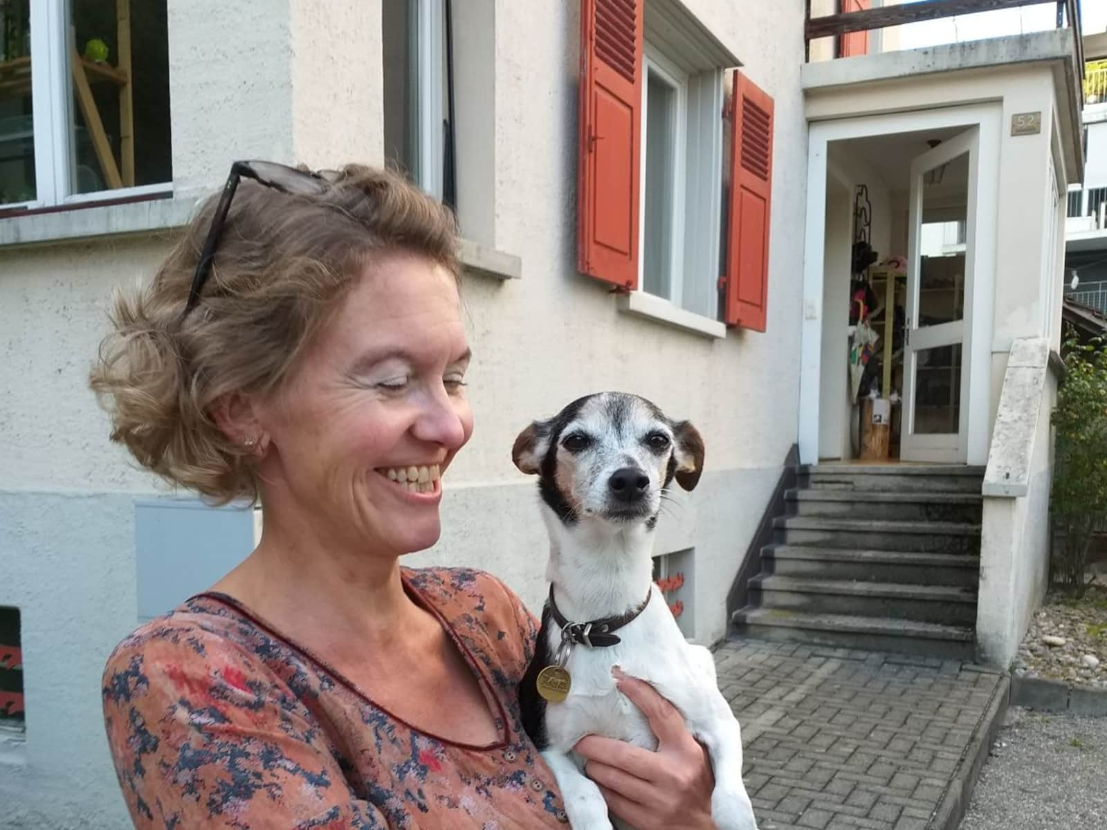 Nelli from Luzern, Switzerland