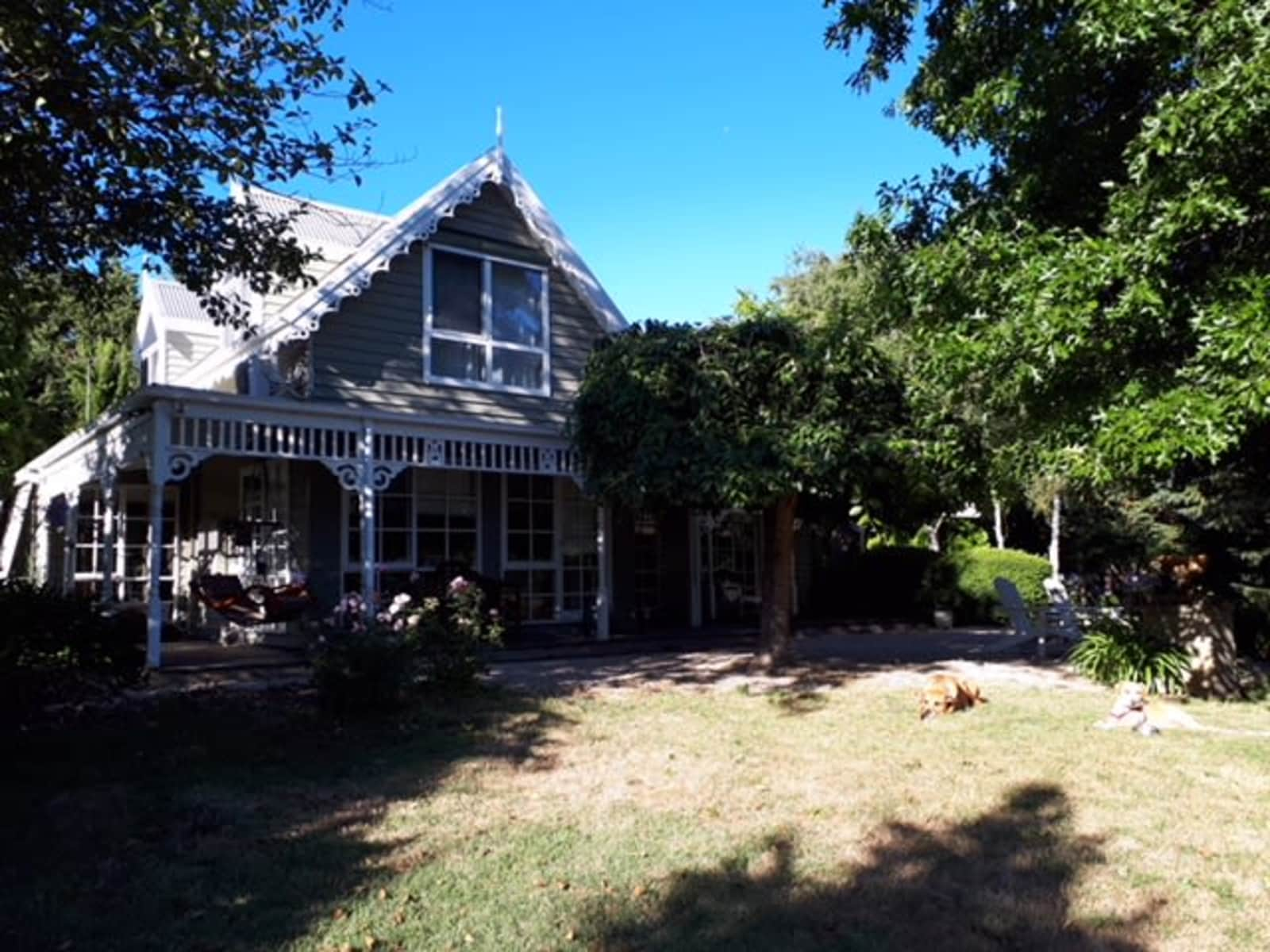 Housesitting assignment in Woodend, Victoria, Australia